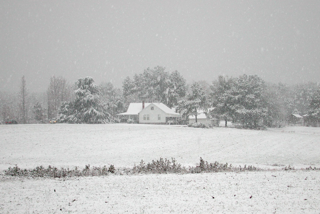 Farm-in-snow
