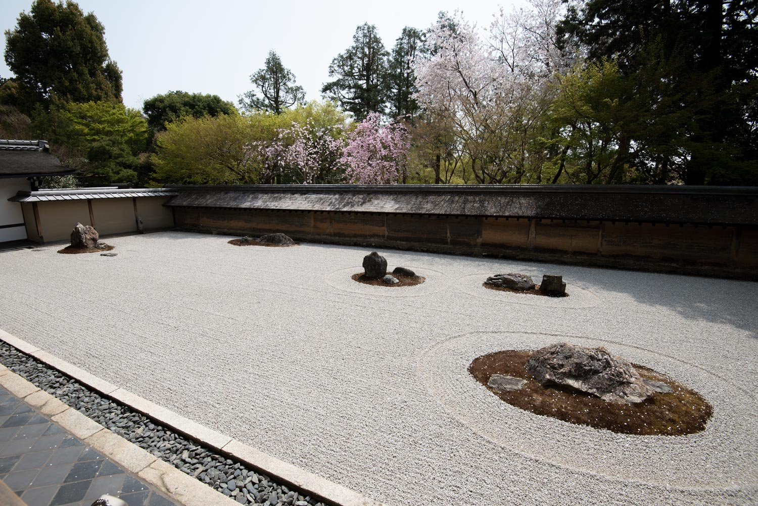 Meditation and Japan's Famous Dry Rock Garden